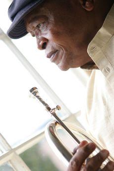 Hugh Masekela (Südafrika)