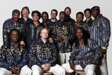 The Earth, Wind & Fire Experience feat. The Al McKay Allstars (USA)